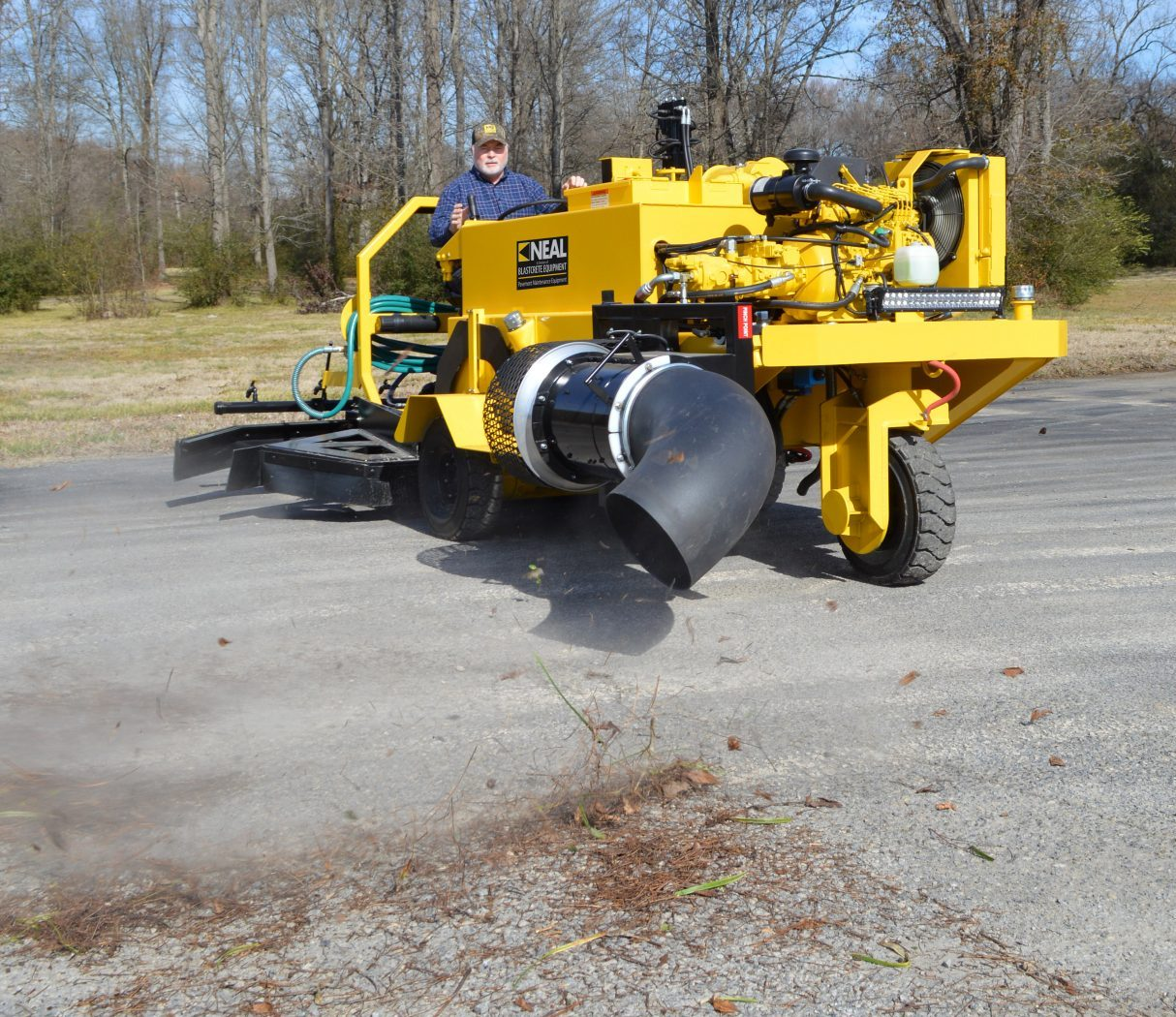 NEAL DA350 Ride-On Dual Sealcoat Applicator with Blower
